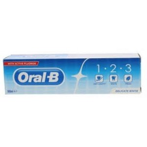 Dentífrico Oral-B 1.2.3 Delicate White 100ml